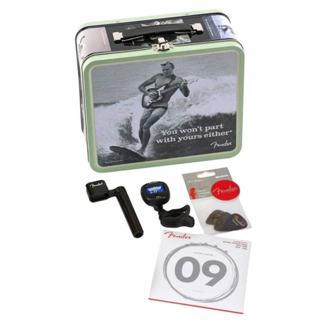 """Fender Lunchbox """"You Won't Part With Yours Either"""" met Gitaaraccessoires 0992018001"""